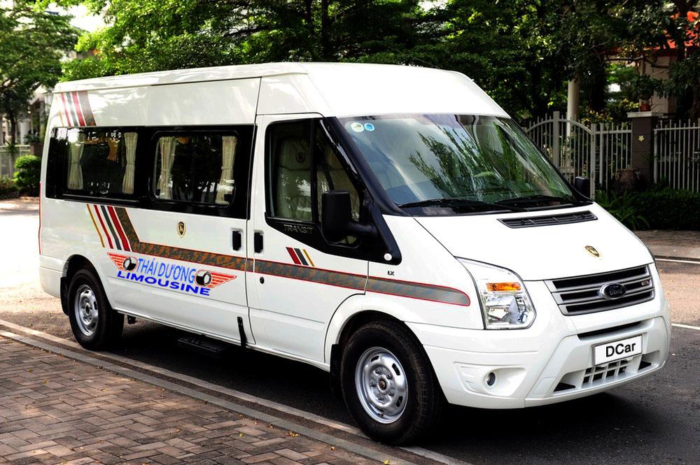Xe bus limousine đi cửa khẩu Mộc Bài